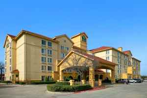 https://www.wyndhamhotels.com/laquinta/irving-texas/la-quinta-dfw-airport-south-irving/overview